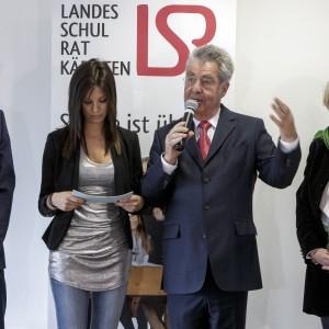 Landeshauptmann Peter Kaiser, die Moderatorin, Bundespräsident Heinz Fischer und Bürgermeisterin Marie Luise Mathiaschitz auf Bühne