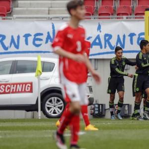 Fußballspieler beim Torjubel