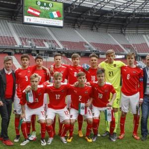 Teamfoto österreichische U15 Nationalmannschaft und Funktionäre